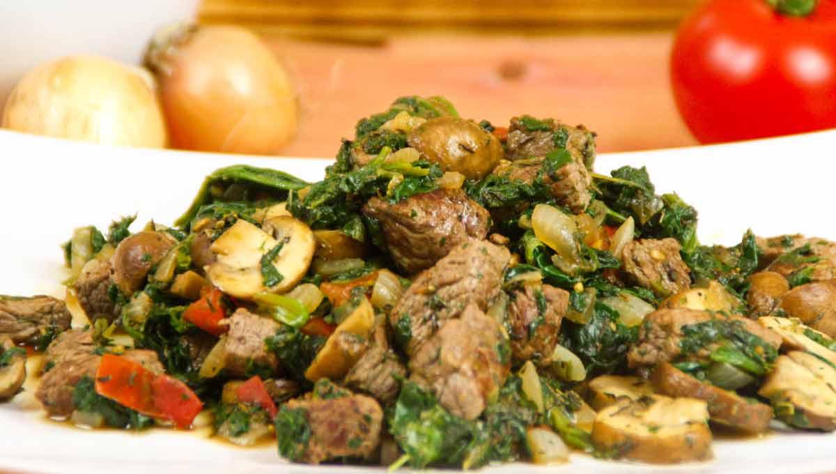 Champignon-Steak mit Spinat Wok-Gericht