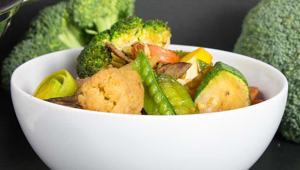 Asiatisches Wok-Gemüse mit Rindfleisch