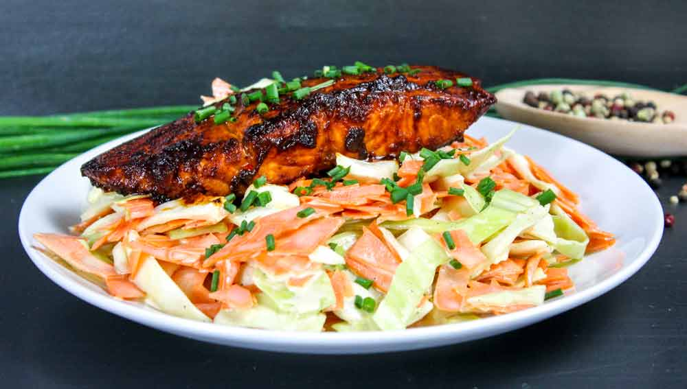 BBQ Lachs mit Coleslaw