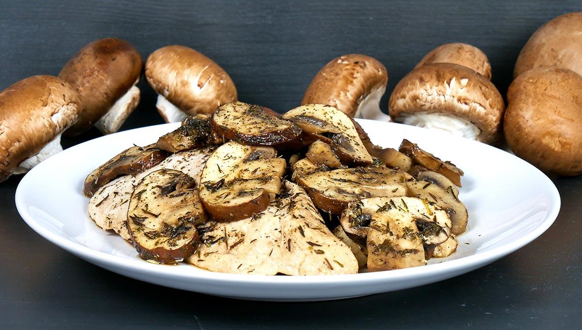 Hähnchen-Champignon-Pilzpfanne mit Thymian