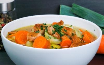 Schnelle Karottensuppe mit Fleischwurst